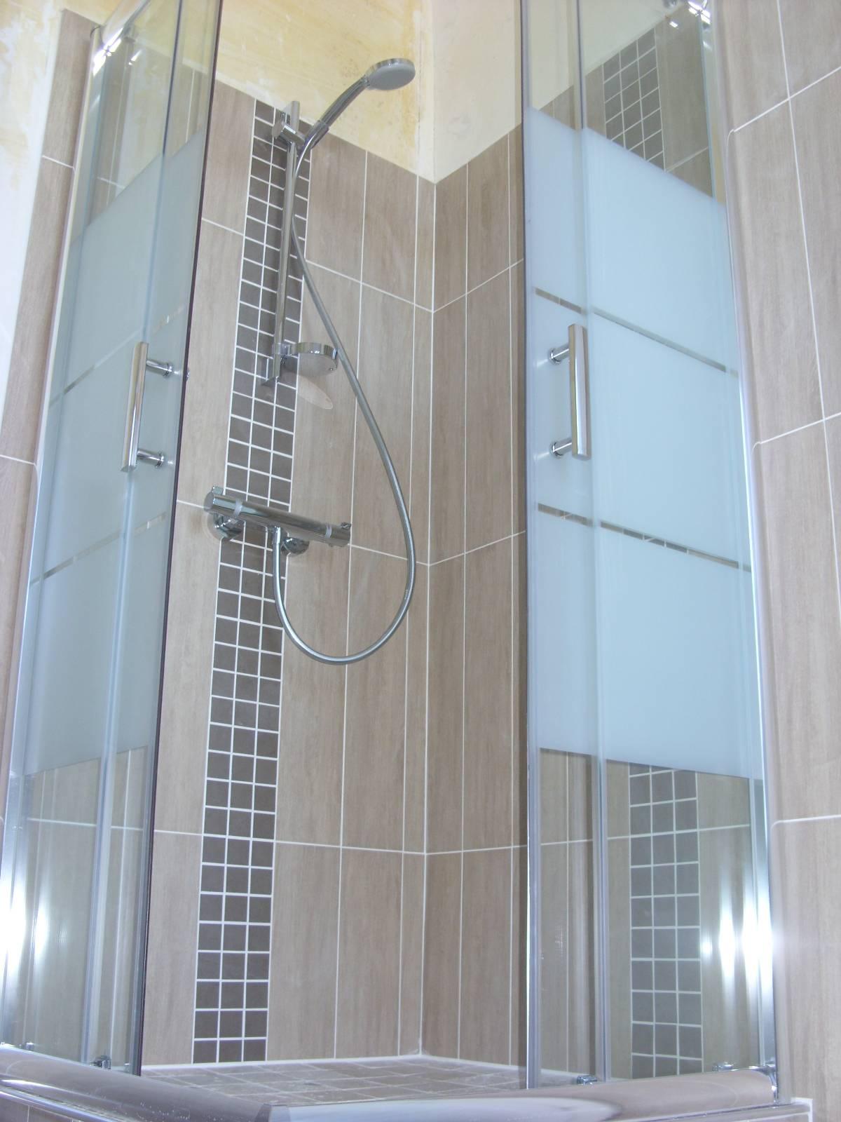 Entreprise de carrelage plomberie et sanitaire pr s de for Entreprise de carrelage