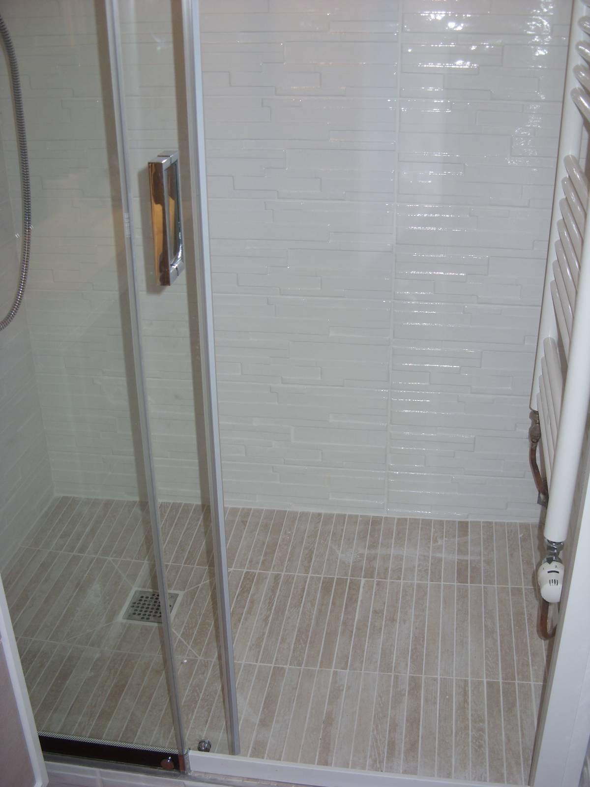 artisan carreleur plombier et pose salle de bain aurillac cantal 15. Black Bedroom Furniture Sets. Home Design Ideas