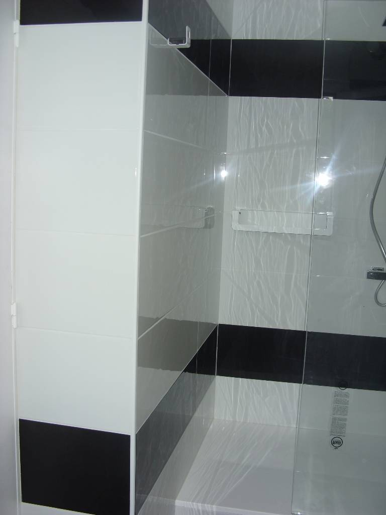 installation salle de bain pose lavabo pr s d 39 aurillac. Black Bedroom Furniture Sets. Home Design Ideas